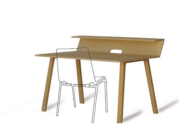 tisch-mit-stuhl